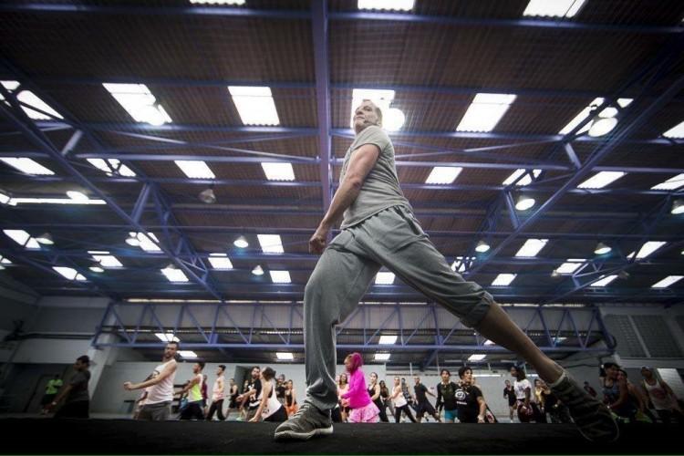 Guillermo Gonzalez Vegas ensina o Glam Dance para professores