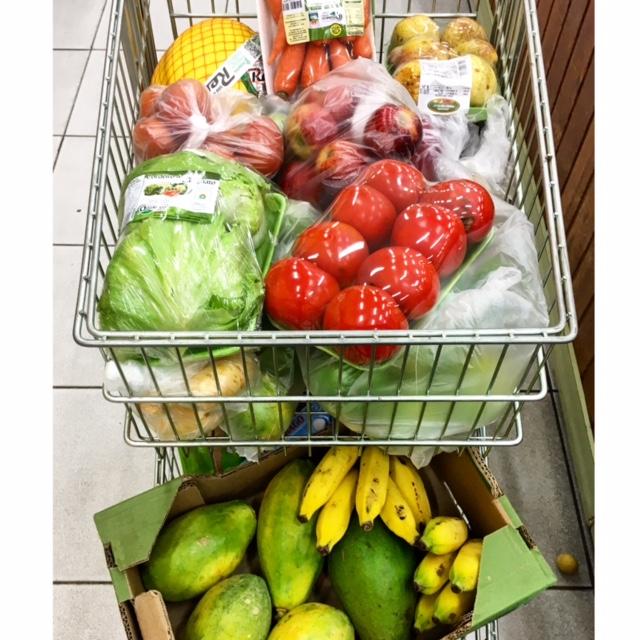 Devemos consumir pelo menos 5 porções de frutas e legumes todos os dias
